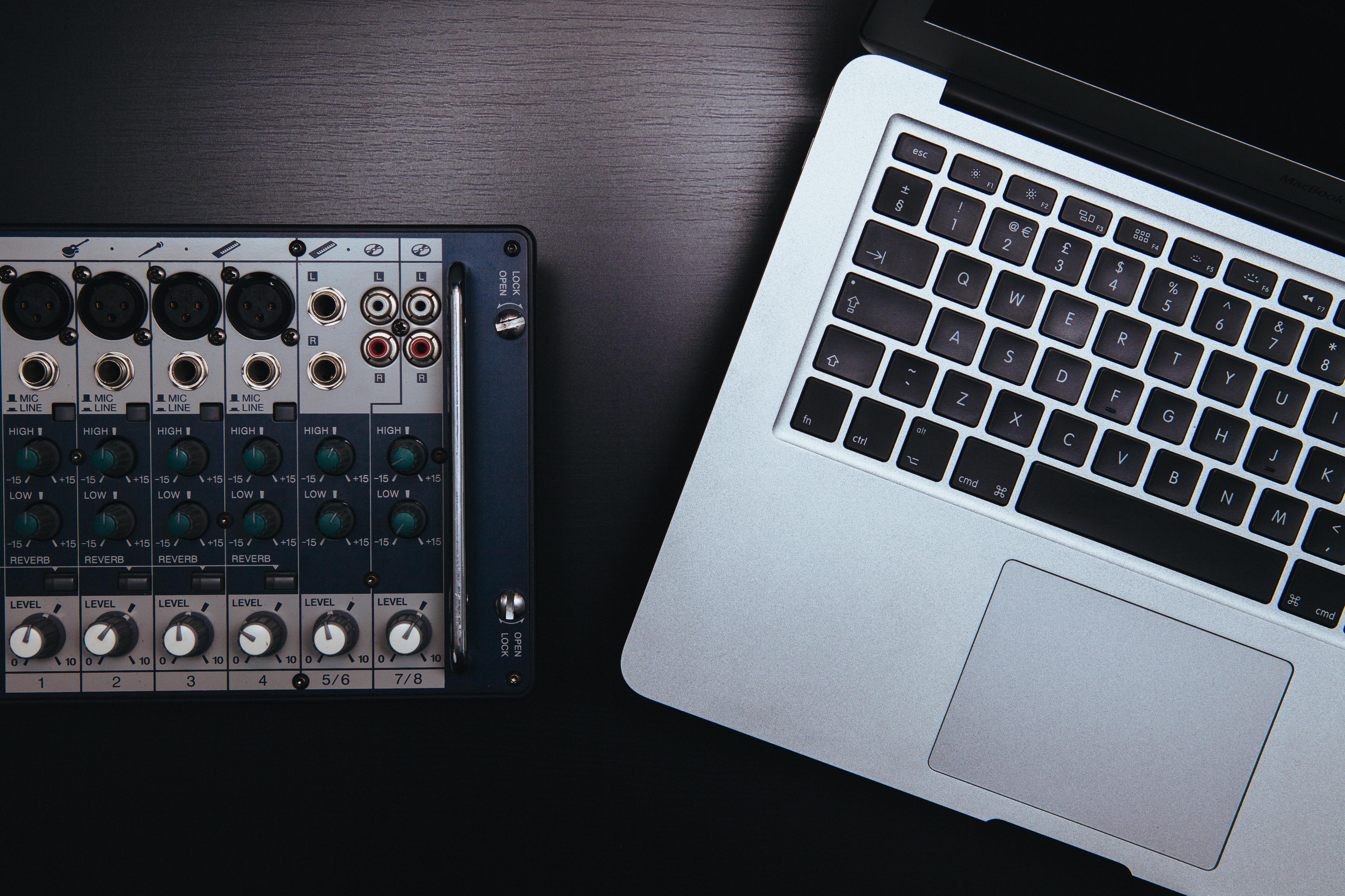 ordenador_y_tabla